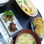 萌木 - 料理写真:この日の日替わりはチーズつくねと蓮根フライでした'13/11/21