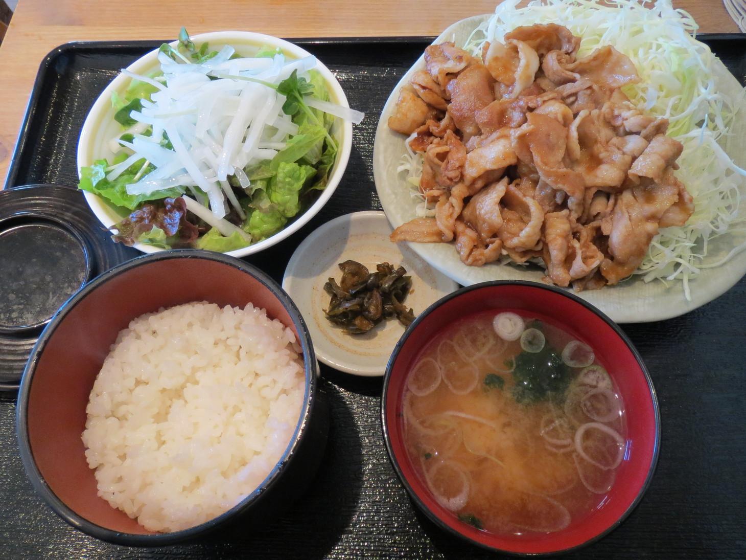 麺料理とアジアンごはん 晴蔵