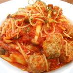 FU DINING - ミートボールときのこのトマトソースのスパゲッティ