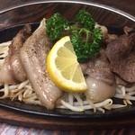 マタギ - 〆ははやはりジビエ!猪肉のステーキ!山椒が効かせてありました。脂が甘い。