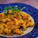 オーケストラ - トリッパといろんな豆のトマトソース煮込み