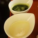 小布施堂本店 - 抹茶蜜と練乳は別添え。