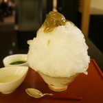 小布施堂本店 - 栗あん抹茶ミルク(840円)全景。