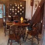 阿左美冷蔵 - アンティークな家具。