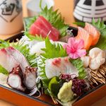 花茶夢 - 料理写真:鮮度抜群の「刺身盛り合わせ」