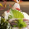 活魚小松 - 料理写真:活あじお造り:一品料理も◎ あじの活造りは骨を揚げる「骨せん」もついてきて2度おいしい!スタッフにお声かけ下さい。