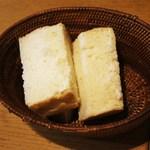 CUJORL - ランチのパン(三人前)