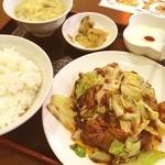 恵園 - 回鍋肉定食750円