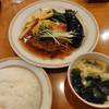 自由亭 - 料理写真:白身魚の和風ピカタ 日替りランチ