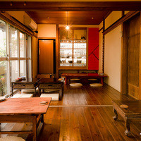 古民家の趣きとモダンさが融合した、大人の隠れ家空間