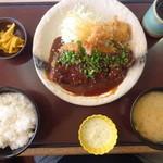 かつ時 - 「ねぎ味噌ロースカツ定食 エビフライ付」1491円。
