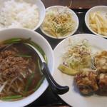 台湾料理  眞味 - 料理写真:日替わりランチ(750)+100円で台湾ラーメン付に変更