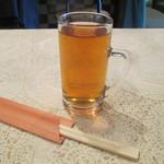 中華居酒屋 青葉 - ジョッキで烏龍茶出ました