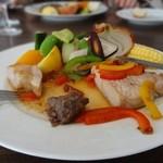 22772562 - 豚のロースト 有機野菜の彩り