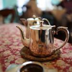 北浜レトロ - ランチの紅茶(ポット)