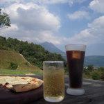 檪の丘 - アイスコーヒーとアップルソーダ