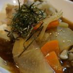 宵 - やさしい味の肉豆腐 700円