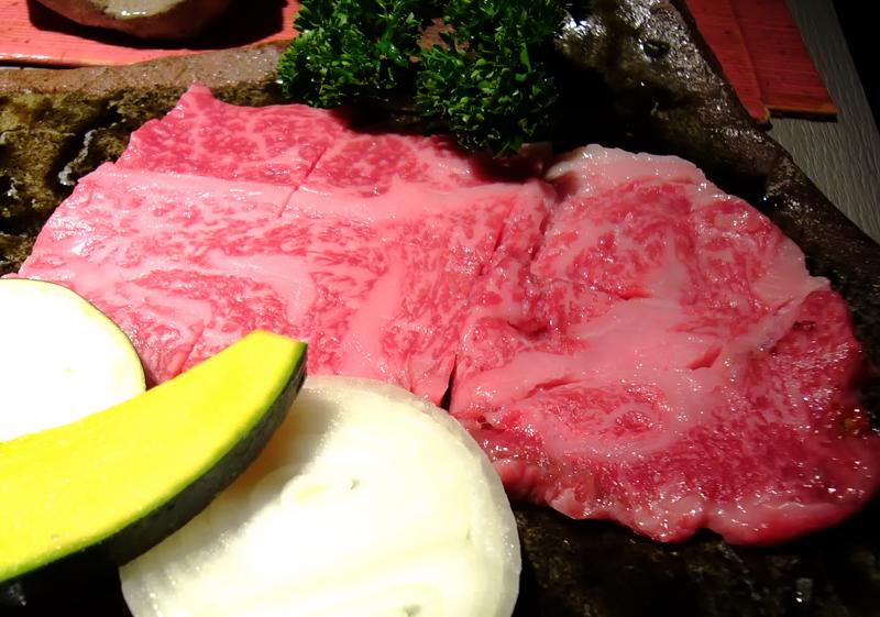 お田焼肉料理店