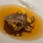 グラン シャン - 土佐あか牛のコンソメスープ、フォアグラのラビオリ