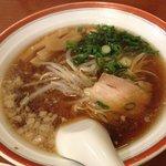 餃麺 しら石 - ラーメン630円。スッキリとした味で、飲んだ後の胃にも優しい感じです☆(第一回投稿分②)