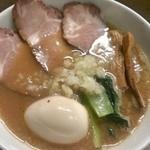22848043 - 特製豚骨魚介ラーメン(890円)