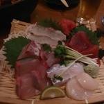 魚河岸本舗 魚魚屋 - 料理写真:刺し盛