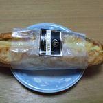 LE BIHAN - ウィンナーとチーズのフランスパン(\315)
