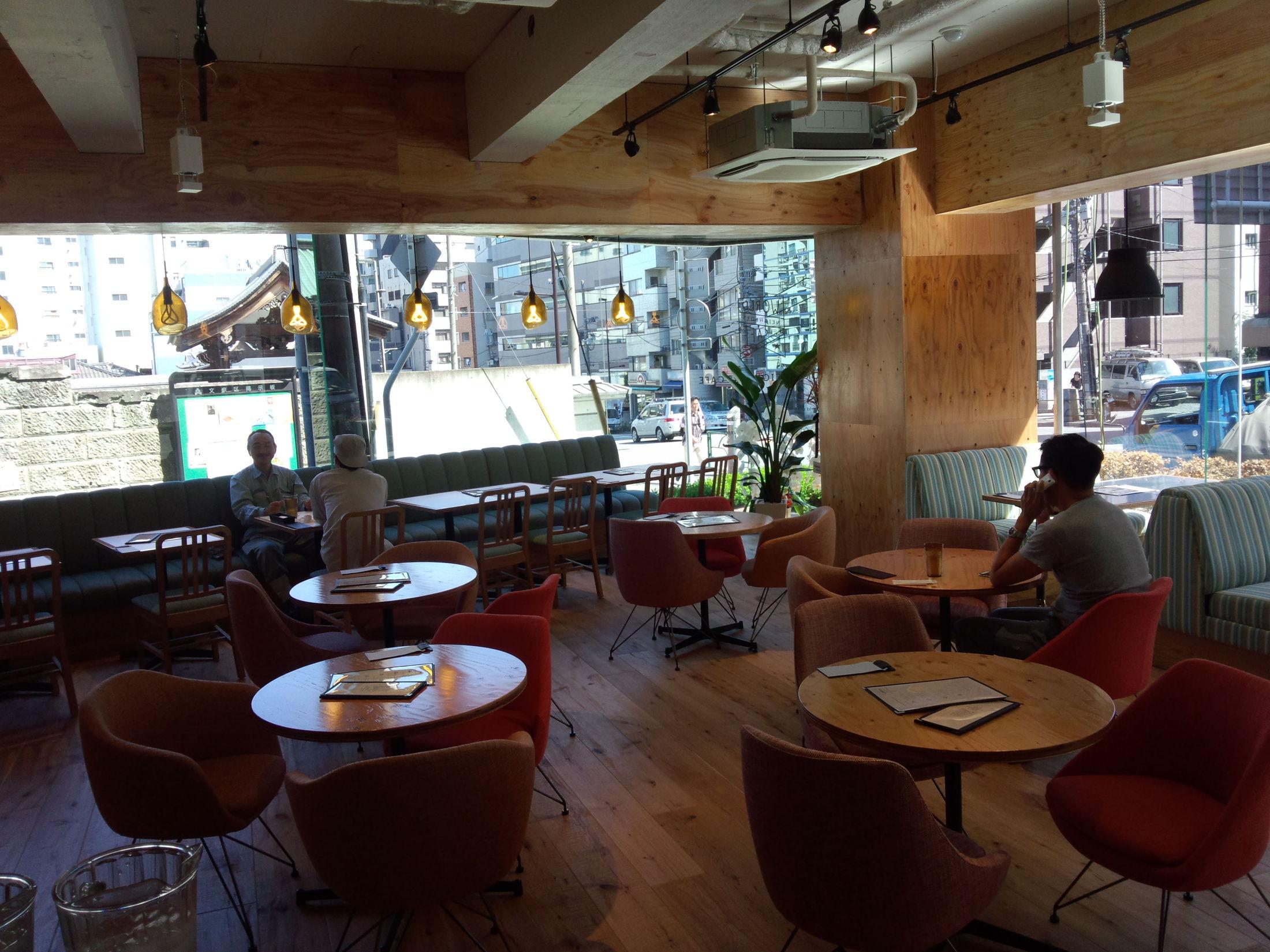 ワールドネイバーズカフェ