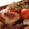 Bistro GEKKO - 料理写真:【焼】オーブンでじっくり肉汁たっぷり『ローストチキン』~ヨーグルトベースのソースで