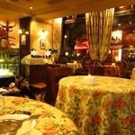 グロヴナーカフェ - 店内 とってもオシャレです(2013.11月)