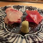 鮨 一二郎 - 【2品目】 刺身 4kある真鯛とよこわ                              いい〆加減です