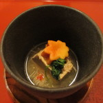 和料理 日和 - かに味噌豆腐と紅葉麩の煮物