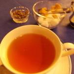 22981135 - 紅茶! は、別料金 < ・´ー・`>