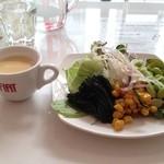 フィアットカフェ - 1200円(平日)ランチ!前菜は、バイキング♫