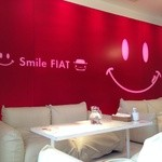 フィアットカフェ - 明るい店内です!