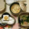 梅の花 - 料理写真:左:嶺岡豆腐、中央:湯葉煮、右:お浸し
