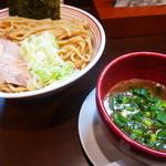 山麺 - 香味焙煎つけ麺