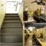 西口やきとん広場 - 2Fへの階段/割り物/2F
