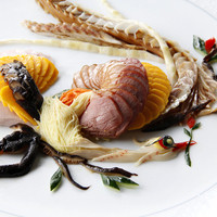 慶事のお祝いごとには、おめでたい前菜料理「 彩鳳拼盤 」を!