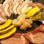 田園焼肉ハウス - Aセット(塩皿)
