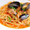 キャプテン イスタンブール - 料理写真:貝の風味がたまらない美味しさ『ムール貝のパスタ』   ムール貝の旨みたっぷり。トマトの酸味と貝の風味が口いっぱいに広がり、やさしい味わい。