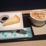 ノードカフェ - チーズケーキ、アップルシナモンラテ