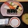 末廣寿し - 料理写真:ランチ握り 680円