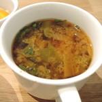 たね・かふぇ - 大根と山東菜と春菊の味噌汁