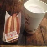 後楽園ホール 売店 - 生ビール&ホットドック