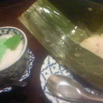 ガムランディー - [2013.12]デザート。バナナ蒸しもち(右)とタピオカココナッツミルク(左)