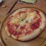 23086001 - 香港腸詰とエビのチリソースピザ