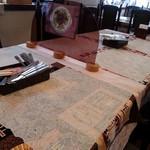 キッチン森本 - テーブル席