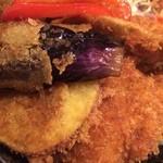 タレカツ - 野菜合盛り丼