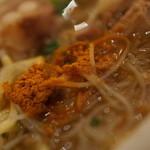 新加坡蝦麺 - エビ粉投入